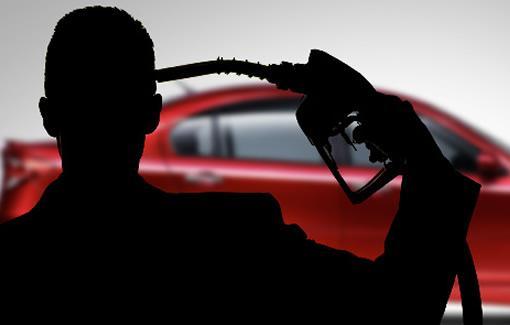 """美国经济隐忧引发市场""""飓风"""" 美元携美股油价齐挫"""