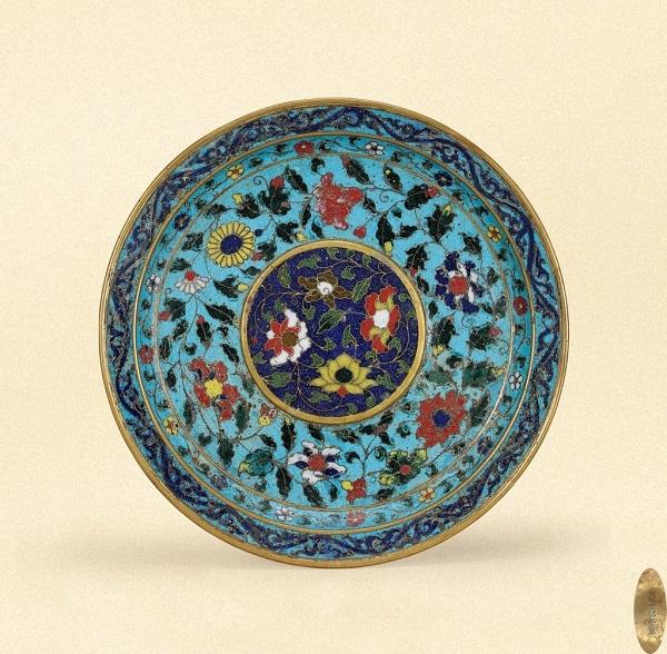 明宣德 铜胎掐丝珐琅缠枝莲纹盘 RMB 1,380,000
