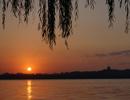 西湖日出印象
