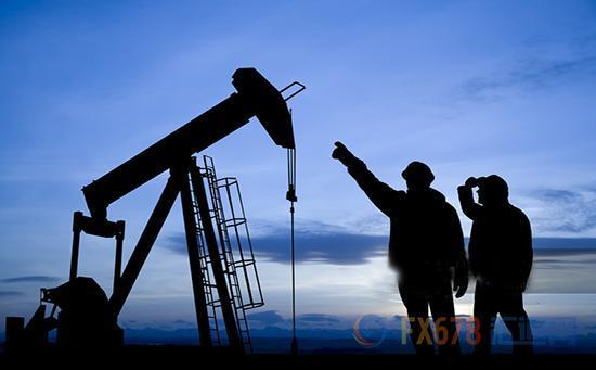 据彭博报道,2018年12月波斯湾地区原油出口量为1709万桶/天,环比下降6%,同比下降5%,较11月下降了114万桶/天,降至两年以来的最低水平,主要原因是波斯湾出口至中国和美国的原油创下两年新低。OPEC六大原油出口国中,伊朗原油出口降幅最大,较11月下降了55万桶/天,环比下降54%,同比下降了78%,伊朗原油出口下降的速度远高于市场预期。此外,沙特和阿联酋的原油出口也分别下降了46万桶/天和40万桶/天。伊拉克南部港口结束了恶劣天气后,原油出口再创历史新高,较11月增加了43万桶/天,升至416万桶/天。