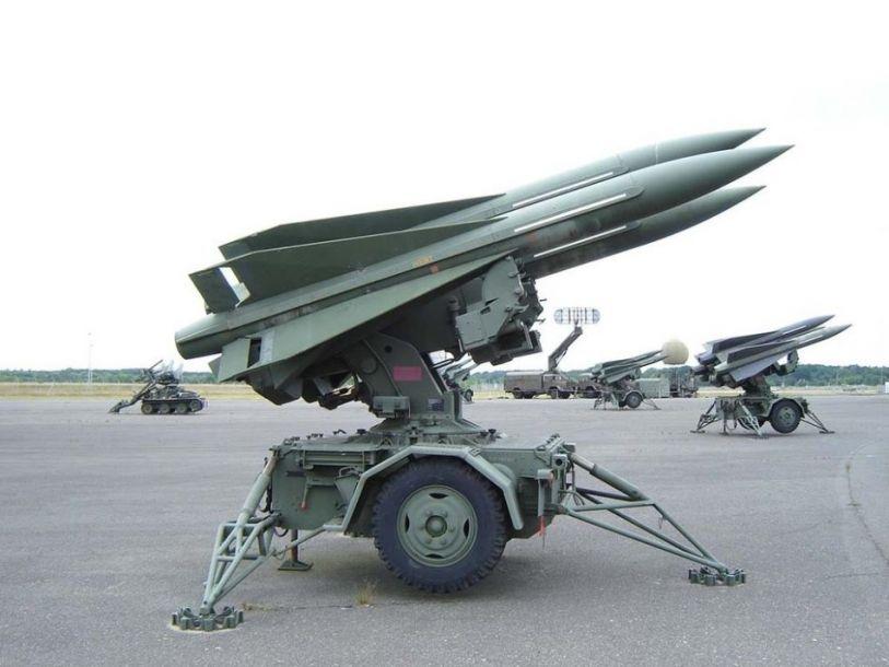 MIM-23霍克导弹由美国雷神公司开发,1957年开始服役,随后出售给全球多个国家和地区。