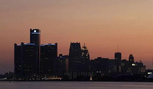 资料图:美国底特律的黄昏(新华社/美联)