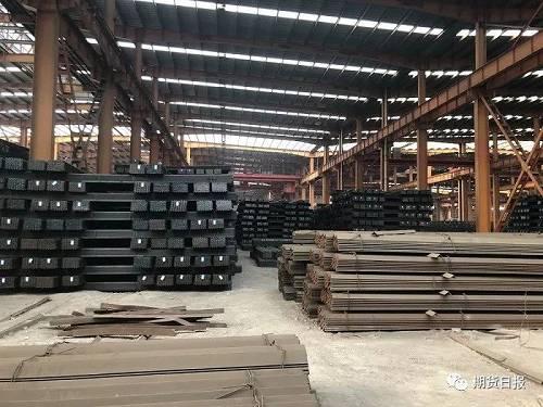 期货日报记者在另外一个钢贸企业了解到,目前铁矿石港口现货没有结构性短缺问题,高品矿近期或将补涨。