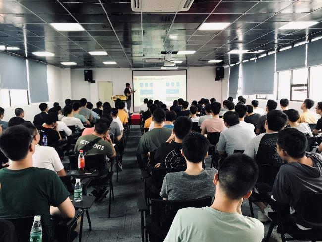 IT培训教育机构叩丁狼猿圈社群 MQ中国社区发起人亲临分享