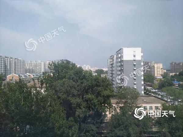 北京多区发布雷电预警 今天午后到夜间雷雨伴大风冰雹