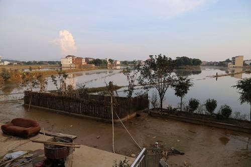 杨梓坪村大量农田被淹没。本报记者 郝成 摄影