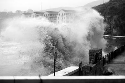 超强台风 正面来袭