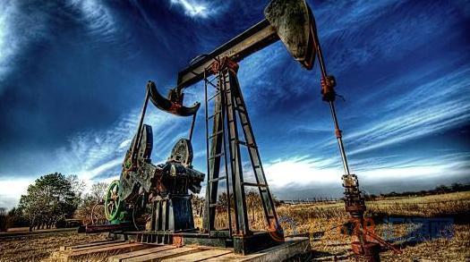 与此同时,汇通财经APP显示,ICE布伦特11月原油期货电子盘价格收盘上涨0.83美元,涨幅1.41%,报59.86美元/桶。