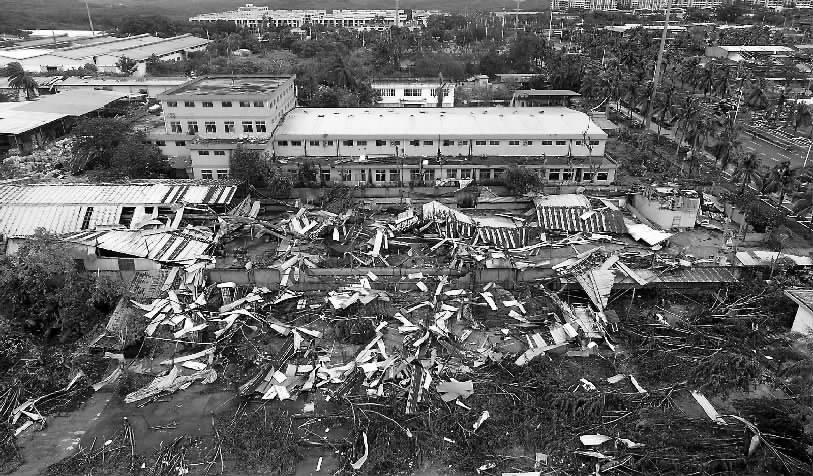 海南儋州遭遇龙卷风