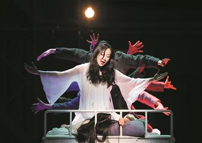 大热国产音乐剧《白夜行》来杭州了 我们跟韩雪和刘令飞聊了聊