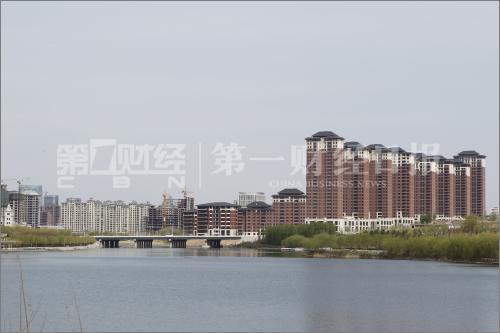 2014年4月,鄂尔多斯东胜区空置的楼盘。 摄影/王晓东