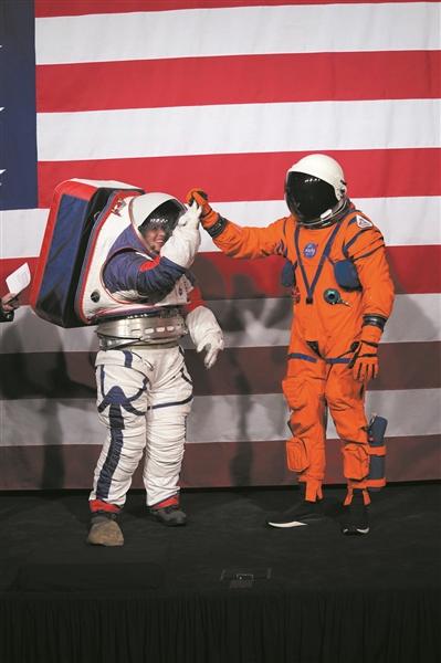 NASA发布下一代登月宇航服