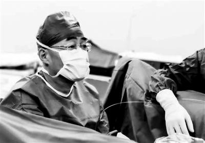 龙激光1小时为患者解除病痛