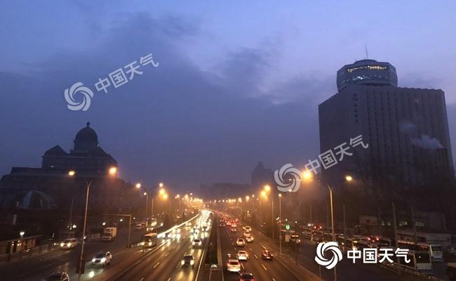北京今日局地有重度霾 明天冷空气抵达能见度逐渐转好