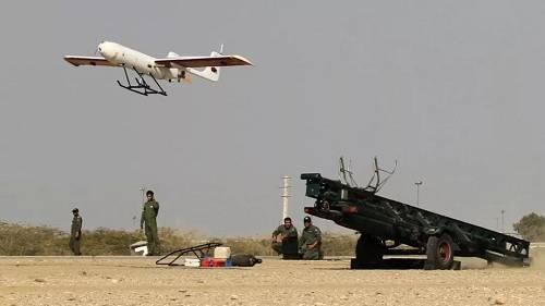"""伊朗军队测试""""雷电""""-85型无人机(美国幼发明网站)"""