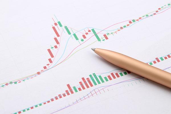 巴菲特旗下伯克希尔二季度经营利润降一成 股市反弹带来可观帐面浮盈