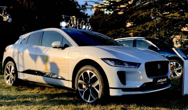 捷豹路虎出席中英两场电动汽车主题盛会 推动全球电动转型健康发展