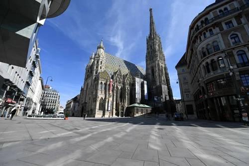 3月16日,在奥地利维也纳,街头行人稀少。新华社/法新