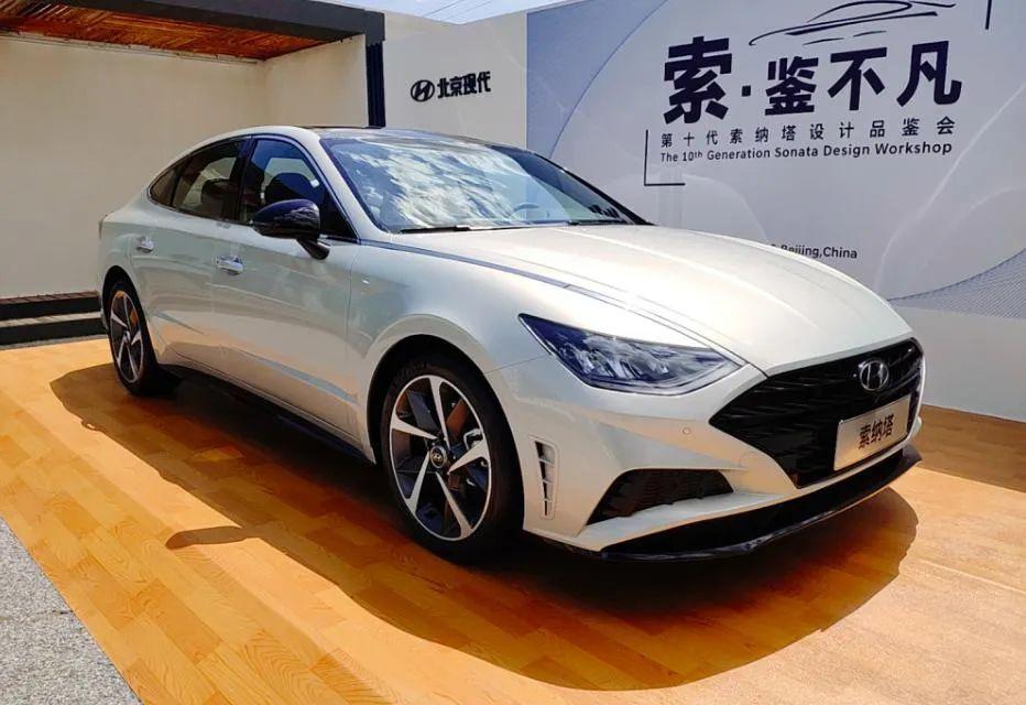 """现代汽车""""感性运动""""的设计巅峰,能否在第十代索纳塔上重现?"""