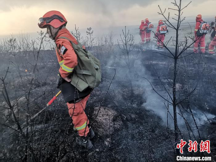 山西朔城区森林火灾已扑灭 地方力量继续看守火场