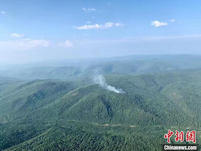 内蒙古大兴安岭1天发生13起雷电森林火灾 已合围11起