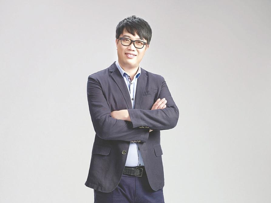 每经记者对话B站高级副总裁张峰:游戏既要有艺术创作,又要有工业化
