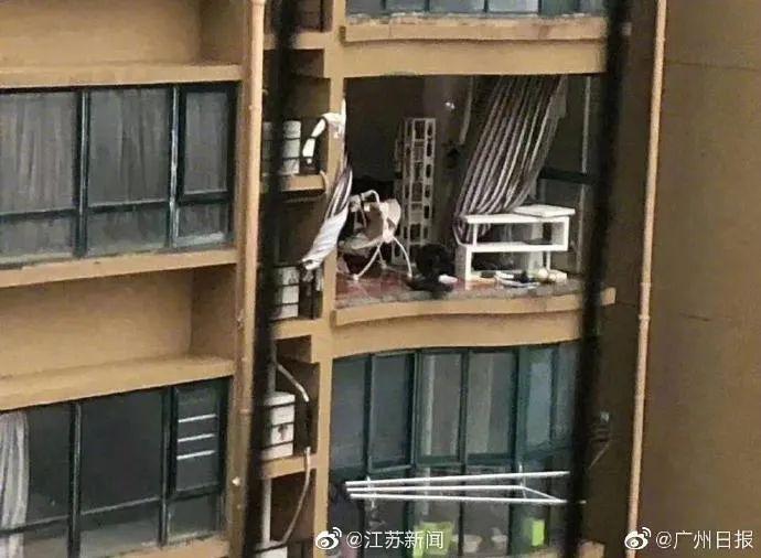 多家阳台被吹烂!天灾还是人祸?质量不好的房企要小心
