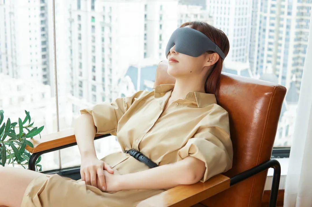 你的眼睛太累了!业内专家参与研发的眼罩,3分钟缓解眼睛干涩酸疼......