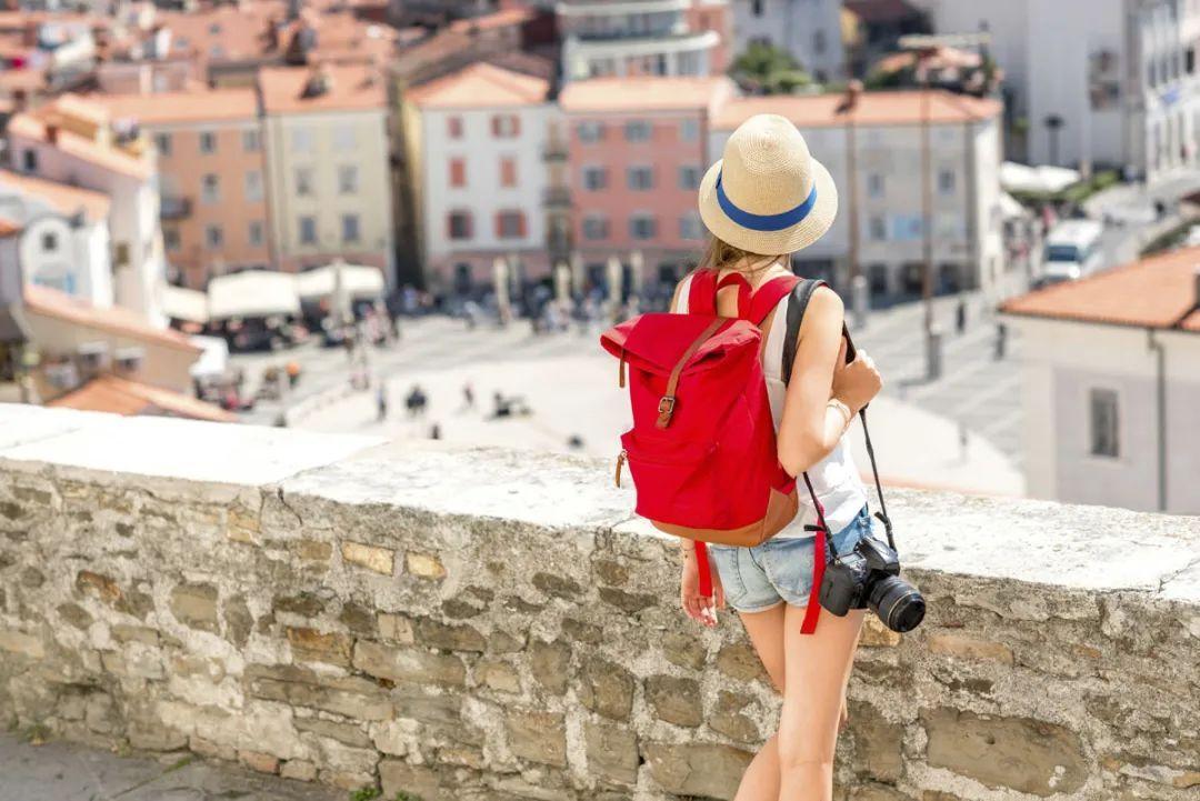 """国庆旅游""""抢客战""""提前开打:短途游或最热,业内预期不及去年"""