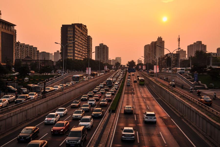 谁来定义智能汽车?汽车新型供应商乘势而来