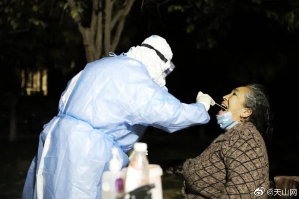 新疆新增137例无症状感染者,4地升为高风险地区!专家:疫情或与此有一定关联