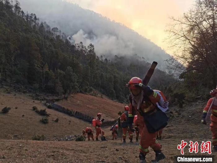 """云南省迪庆州""""12.28""""森林火灾明火全部扑灭"""