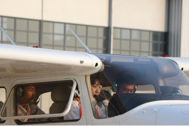 重大突破!东方时尚一举拿下1.9亿元飞行员培训订单!