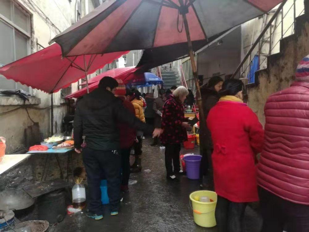 """南昌1元""""抗癌厨房""""18年不打烊不涨价,现由政府出资改造升级"""