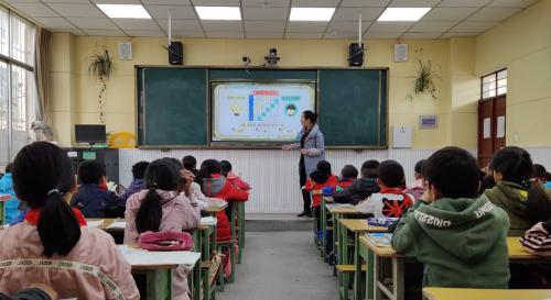 哈佛中国教育论坛:洋葱学院CEO杨临风谈教育公平创新