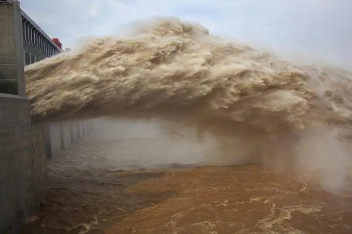这不叫放水,叫「泄洪」!