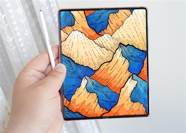 三星Galaxy Z Fold3折叠屏旗舰即将亮相:有望首发骁龙888 Pro旗舰芯片
