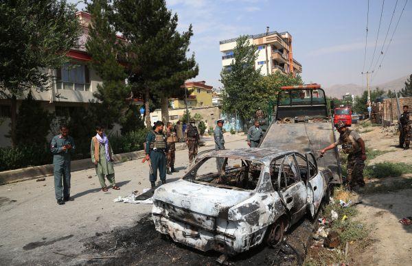 外媒:三枚火箭弹射向阿富汗总统府