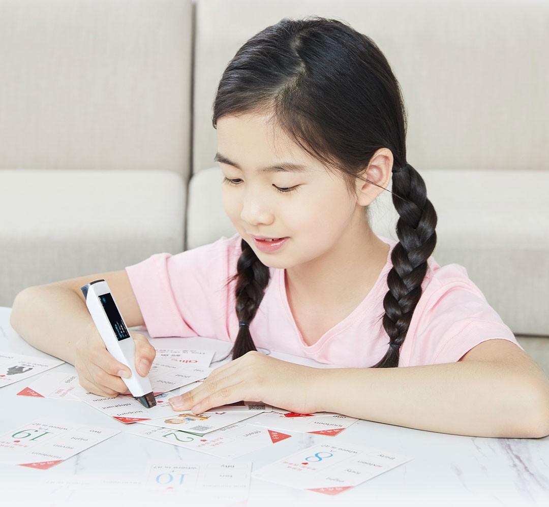 不再咆哮式辅导作业,糖猫词典笔激发孩子自主学英语的兴趣