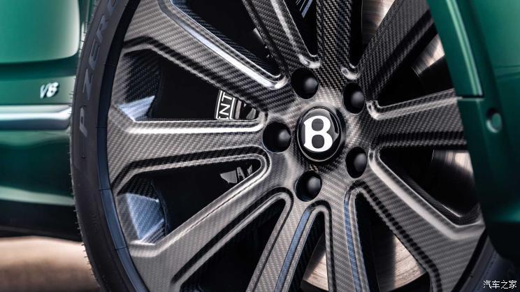 历时五年研发 宾利推22英寸碳纤维轮圈