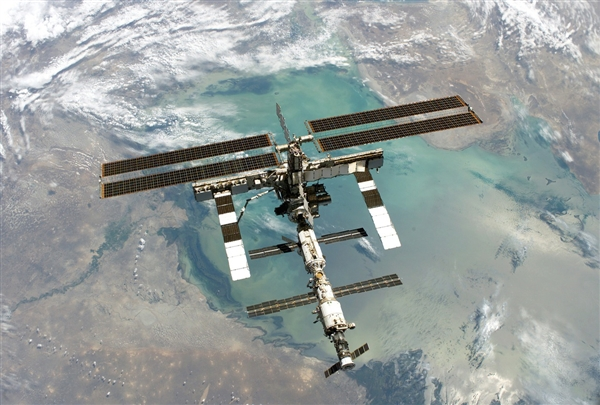 国际空间站惊现数条裂缝 NASA专家:问题相当严重